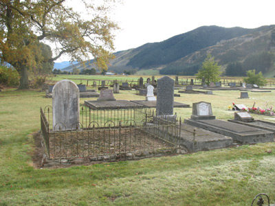 Phillips Plot at Marawera Cemetery